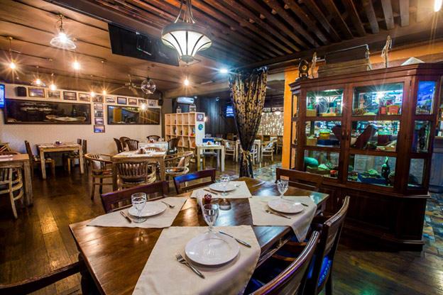 Port Cafe - ресторан дальневосточной кухни. Интерьер