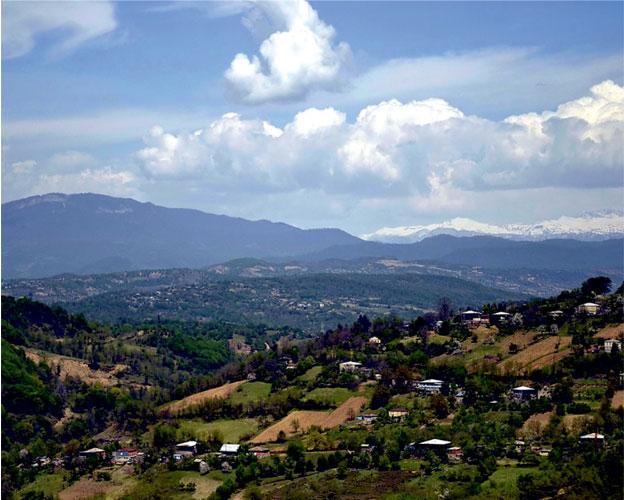 Имерети — область Западной Грузии в бассейнах и ущельях рек Риони и Квирила на высоте 200–800 метров над уровнем моря.