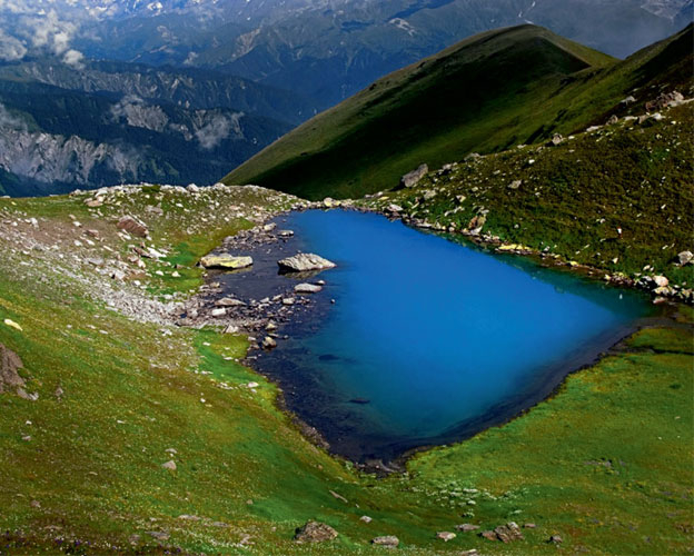 Рача-Лечхуми расположена севернее Имерети по берегам рек Риони и Цкенисцкали на высоте 500–800 метров над уровнем моря.